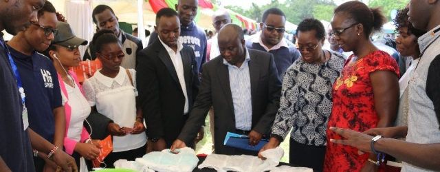 JKUAT Council led by Eng. John Tanui (Center) marvel at the Begi Bora innovation during the 8th JKUAT Tech Expo